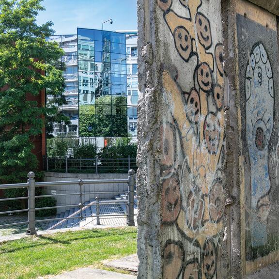 Teilstücke der Berliner Mauer - Straße der Erinnerungen